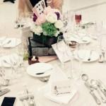 アリスをテーマにした結婚式にレトロなアリスの席次表・席札
