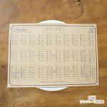 ナチュラルウェディングに!クラフト紙の手作り席次表ロールは可愛いアリスウェディングにぴったり