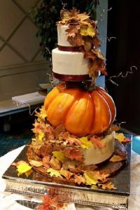 rustic-pumpkin-wedding-cake.jpeg