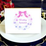 キラキラのクリスマスローズリースが大人可愛い招待状キット