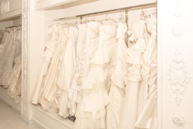 結婚式までの流れ ウェディングドレス選び