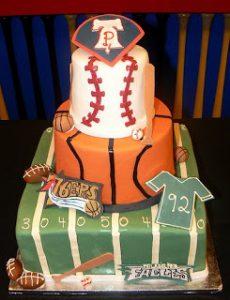 スポーツを詰め込んだオリジナルウェディングケーキ
