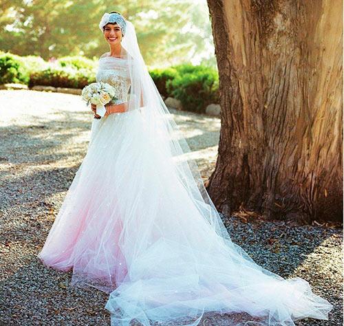 海外 アン・ハサウェイ ウェディングドレス