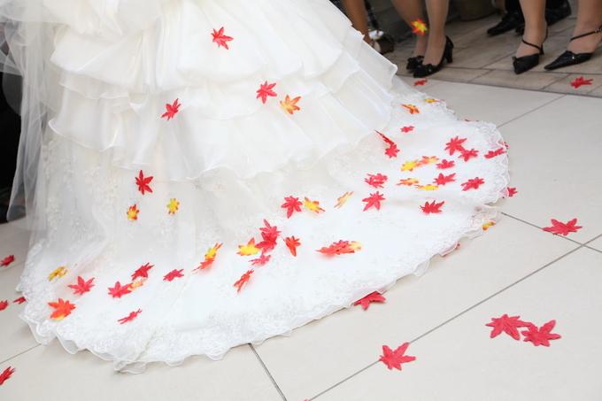 秋ウェディング 紅葉シャワー 秋結婚式