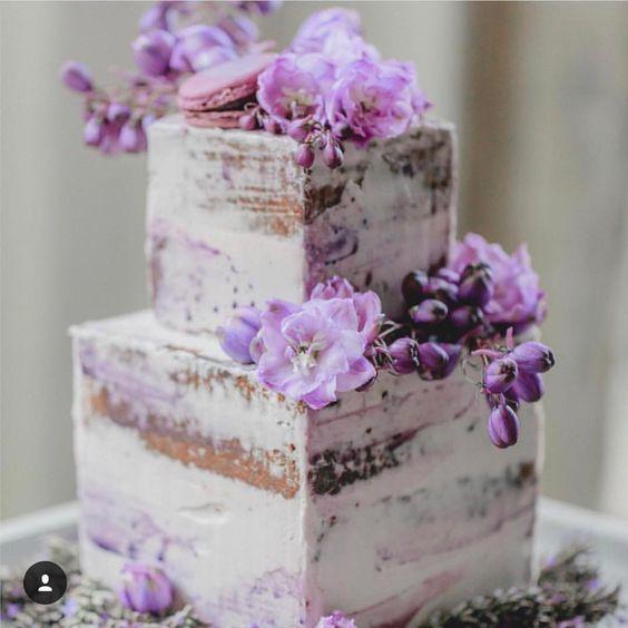 大人可愛いウェディングネイキッドケーキ