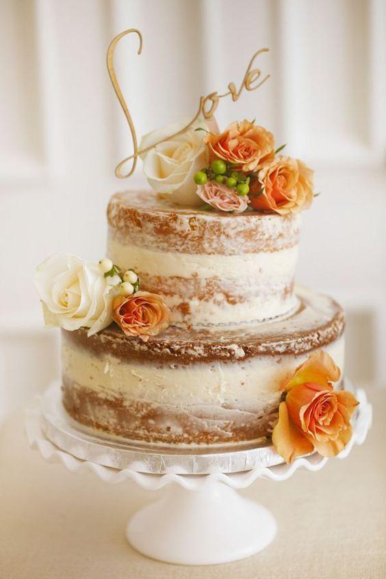 シンプルでおしゃれなネイキッドケーキ