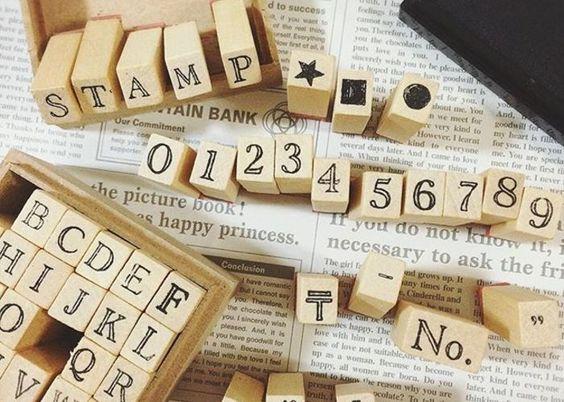 アルファベットスタンプで手作り席札